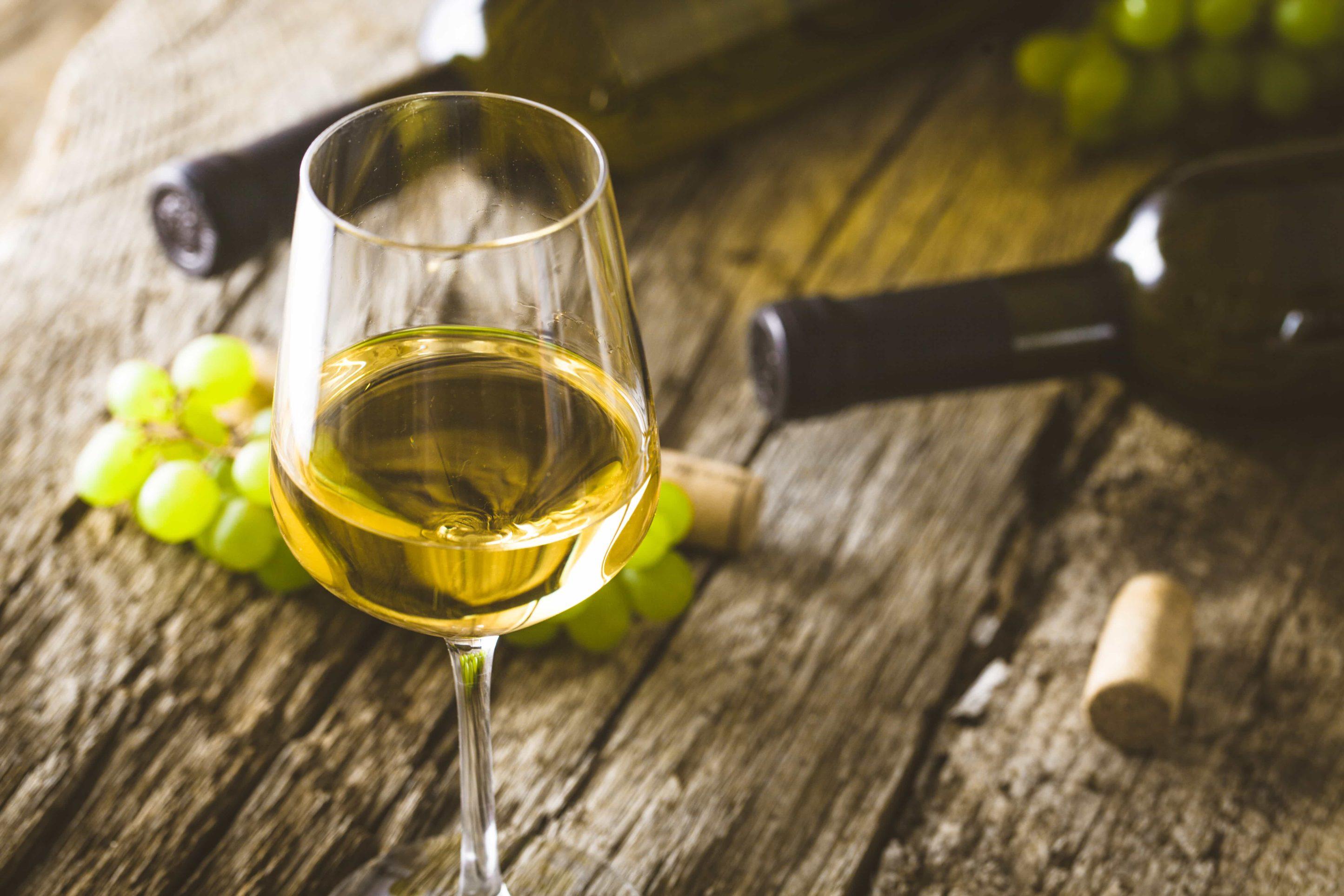 Wein auf Holz